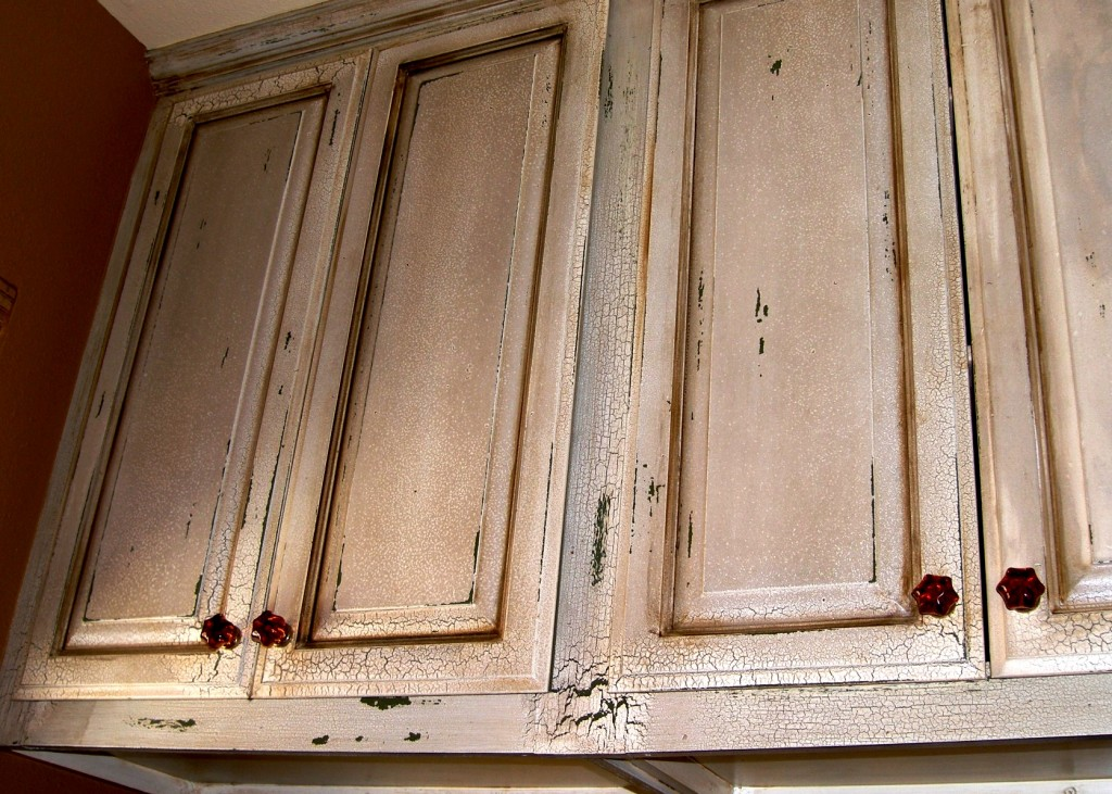 Cabinets These Kitchen Cabinets Have A Distressed Crackle Finish On