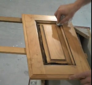 How to Wipe Brown Accents on Cabinet Doors